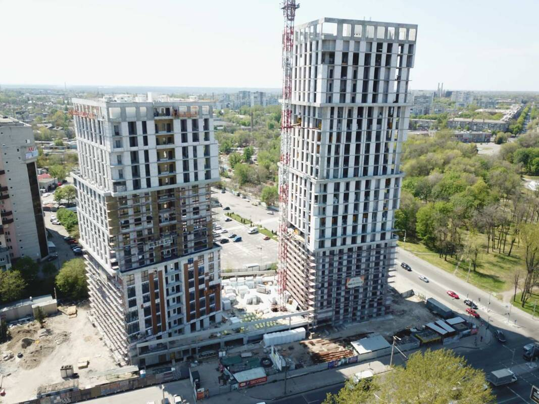 Video-circled the construction of the «Grani» complex on 30.04.2020